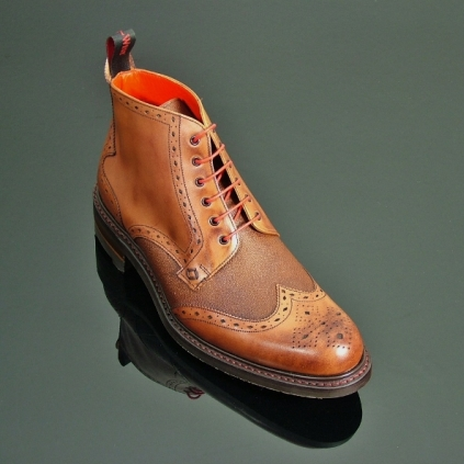 Hannibal 3101 - Classic Brogue Derby Boot with Rubber Sole